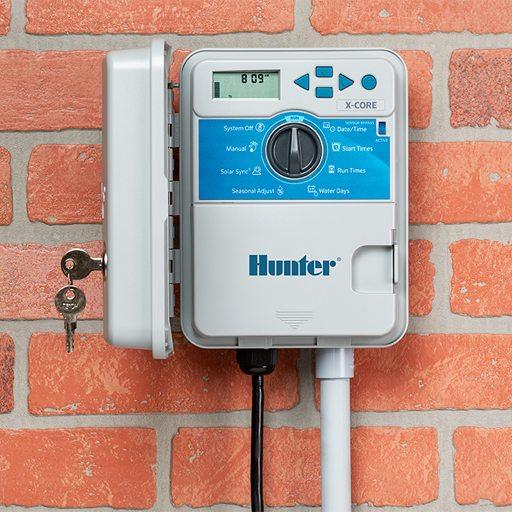 کنترلر برقی هانتر نصب شده روی دیوار